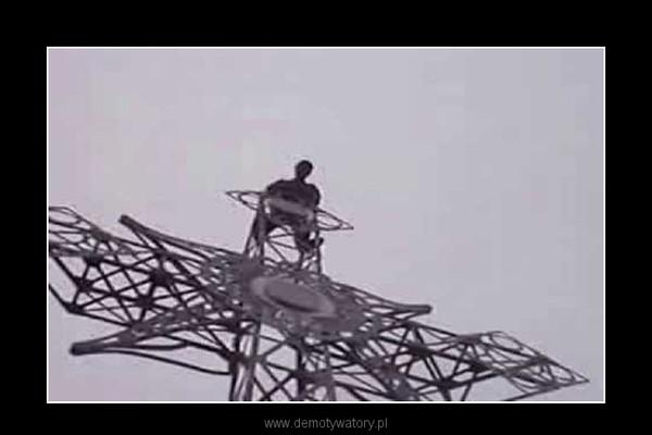 Wariat wyszedł na krzyż na Giewoncie i się powiesił –