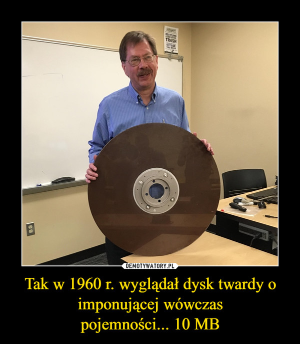 Tak w 1960 r. wyglądał dysk twardy o imponującej wówczaspojemności... 10 MB –